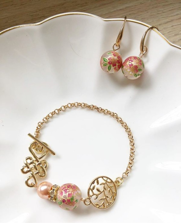 Gold and Pink Bracelet and Earrings - Diary of a Miniature Enthusiast