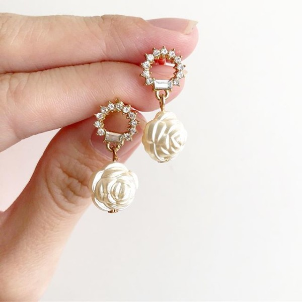 White Stones and Floral Earrings - Diary of a Miniature Enthusiast