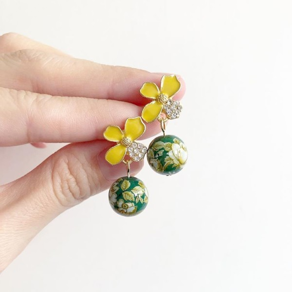 Yellow and Green Earrings - Diary of a Miniature Enthusiast