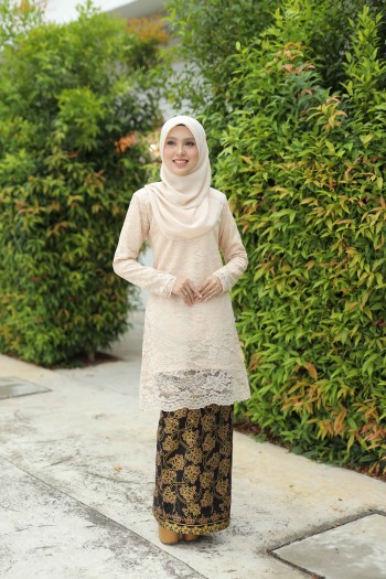 KURUNG KARNOLI BLACK - moff collection