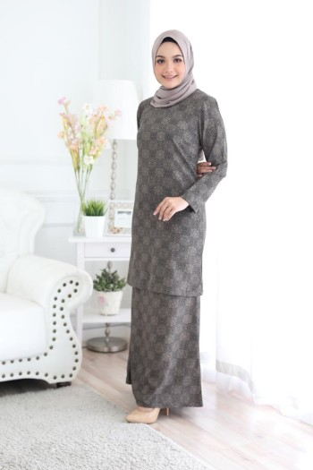 KURUNG AULIA - DARK BROWN - Fezane