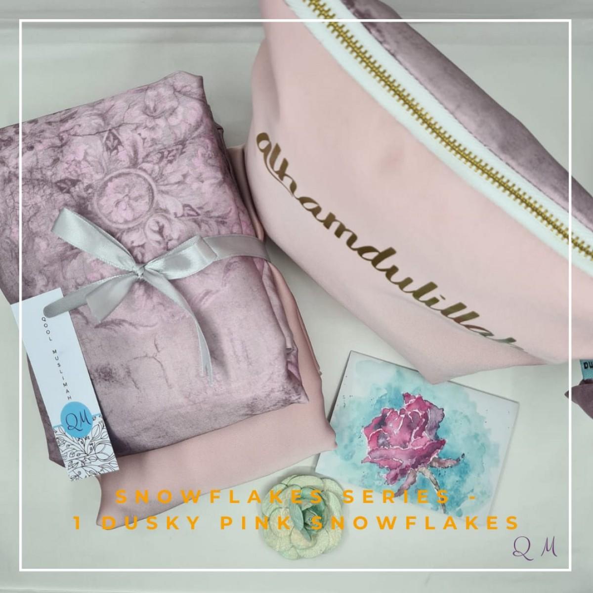 P16. Telekung/Mukena Armani Silk Snowflakes-Dusky Pink Snowflakes - Qool Muslimah