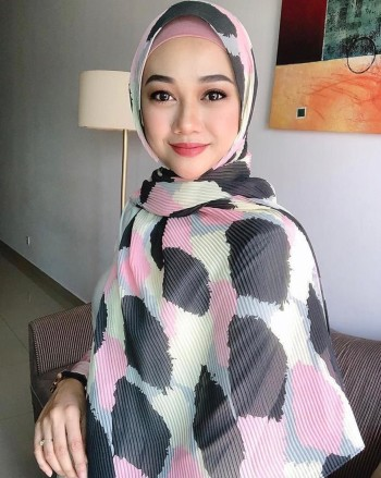 Unique.co - Hijab Wash - Virtual CelebFest