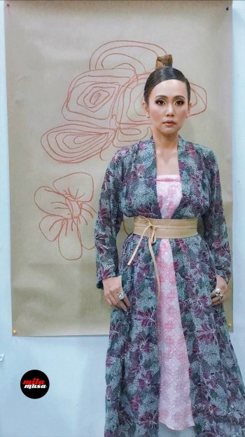 Mila Musa - Princess Kimono Kebaya Pink Leaves - Virtual CelebFest