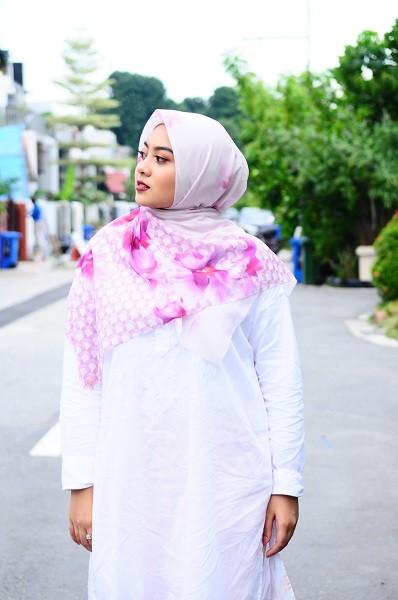 Maryam Amelie : Anggerik Square Voile (Pink) - Virtual CelebFest
