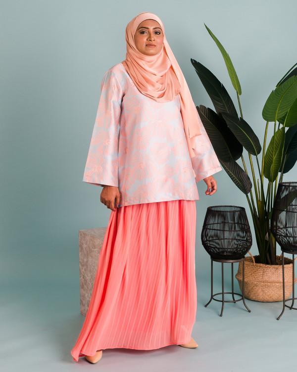 Zaryluq - Pleated Maxi Skirt in Sweet Pea - Virtual CelebFest