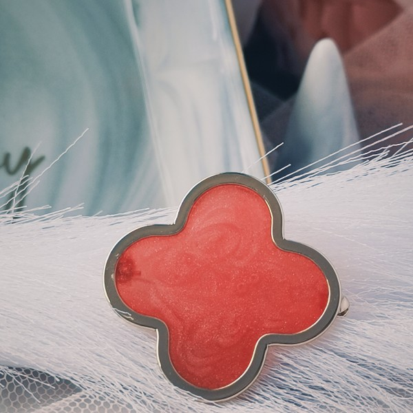Luna Clover Red - Gold - Virtual CelebFest