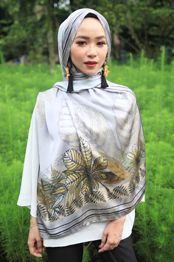 Grey Turquoise Leaf Arrangement (shawl) - Virtual CelebFest