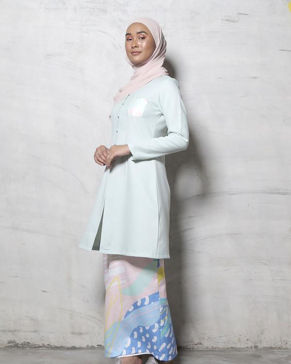 Adrianna Yariqa - Women's Kurung Pahang in Lilac - Virtual CelebFest
