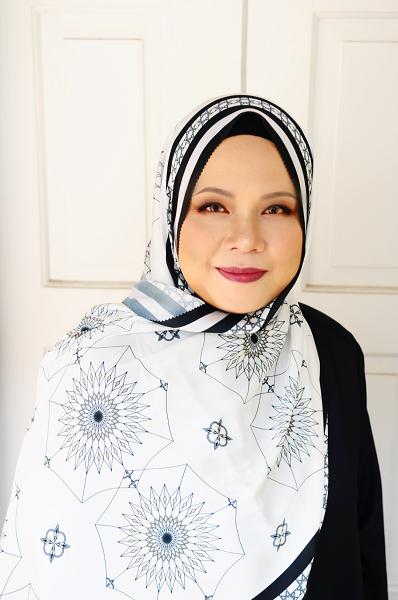 Maryam Amelie : Medina Shawl Satin (Monochrome) - Virtual CelebFest