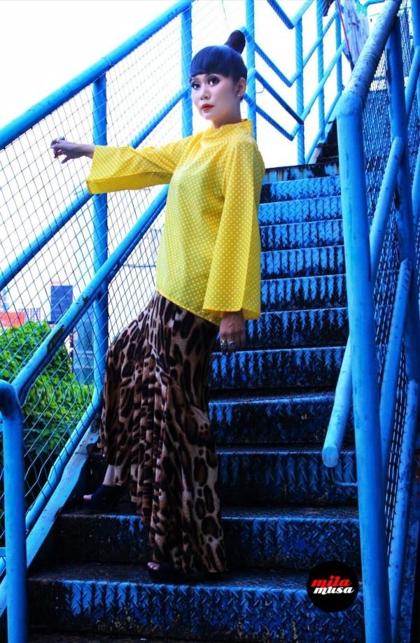 Mila Musa Princess Kedah High Neck Yellow Polka Top - Virtual CelebFest