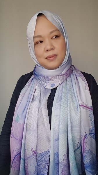 Maryam Amelie : Hibiscus Shawl Satin (Amethyst) - Virtual CelebFest
