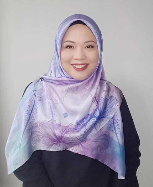 Maryam Amelie : Hibiscus Square Satin (Amethyst) - Virtual CelebFest