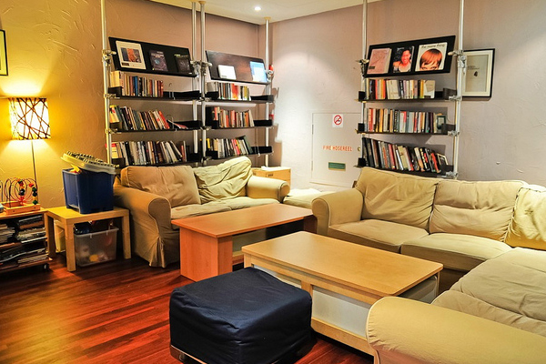 12-conducive-reading-and-working-spaces-the-book-cafe