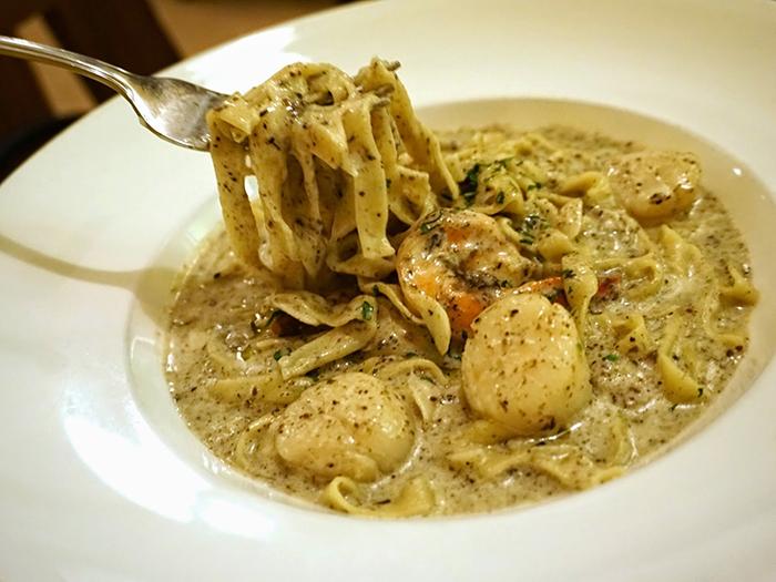 17-best-pasta-restaurants-cacio-e-pepe-Tagliatelle-al-Tartufo