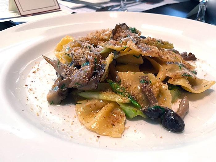 17-best-pasta-restaurants-osteria-mozza-farfelle