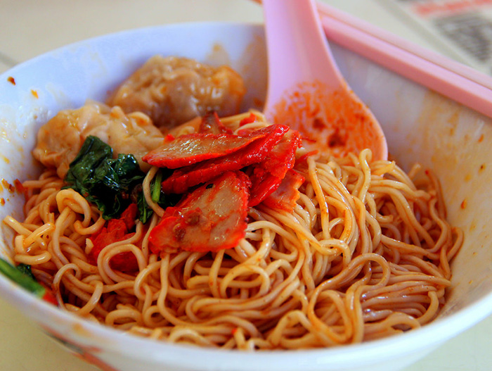 affordable-supper-places-singapore-fei-fei-wanton-mee