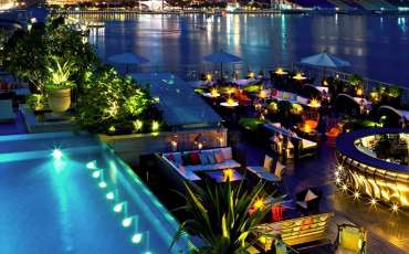 25 best rooftop bars with spectacular views you want to add to your hangout list