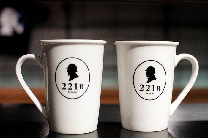 best-seoul-cafes-221b-mugs