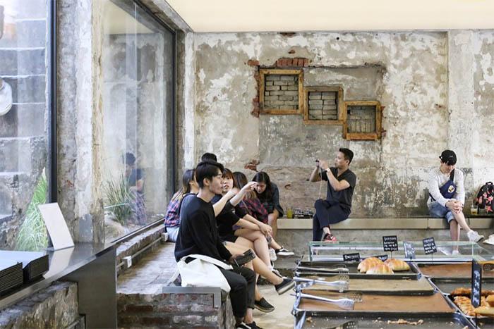 best-seoul-cafes-cafe-onion-interior