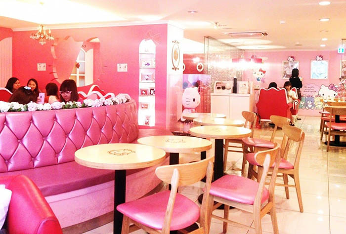 best-seoul-cafes-hello-kitty-cafe-interior