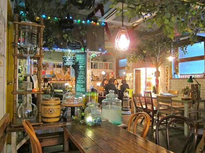 best-seoul-cafes-ho-ho-myoll-interior