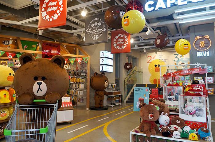 best-seoul-cafes-line-friends-café-store
