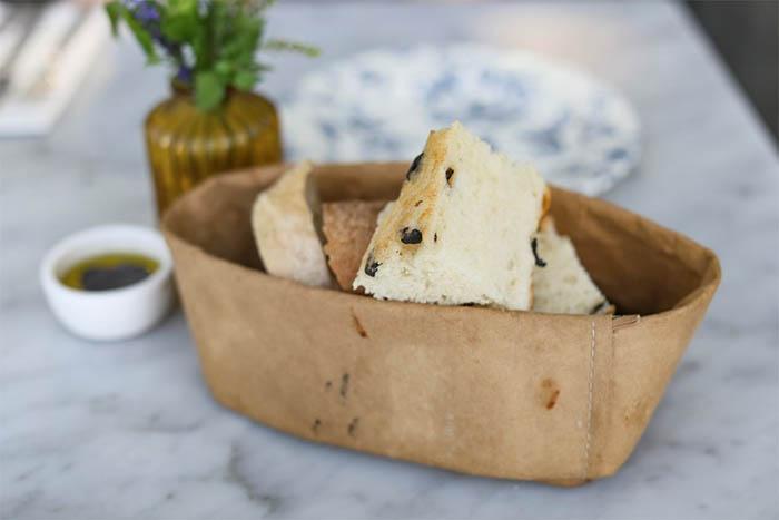 best-seoul-cafes-the-sky-farm-breadbest-seoul-cafes-the-sky-farm-bread