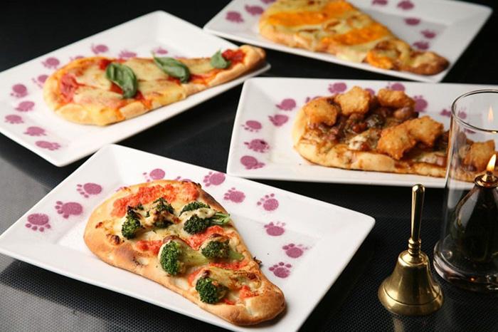 themed-cafes-tokyo-alice-in-fantasyland-café-