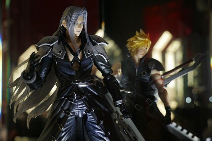 themed-cafes-tokyo-artnia-by-square-enix-final-fantasy-figurines