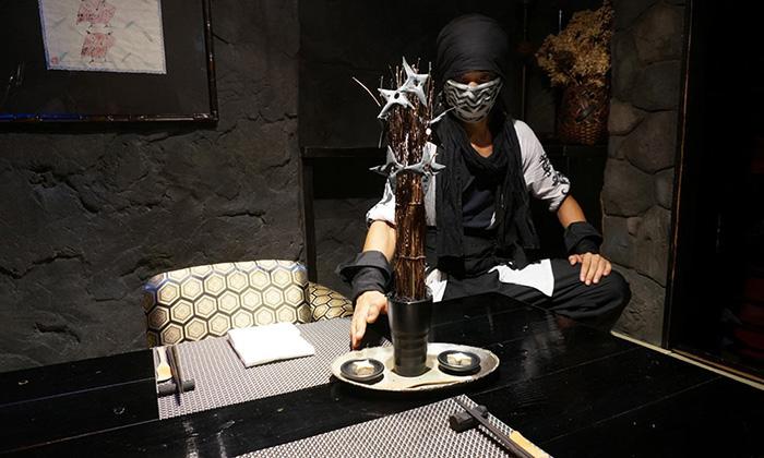 themed-cafes-tokyo-ninja-akasaka-ninja-café