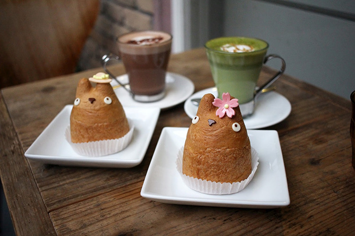 themed-cafes-tokyo-shiro-higes-cream-puff-factory-food