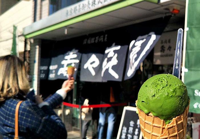 themed-cafes-tokyo-suzukien-matcha