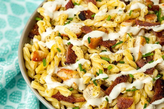easy-pasta-salad-recipes-chicken-bacon-ranch-pasta-salad