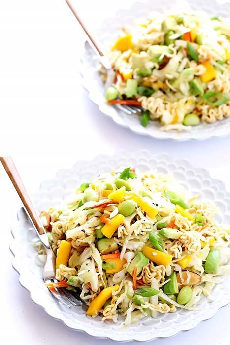easy-pasta-salad-recipes-crunchy-ramen-noodle-salad