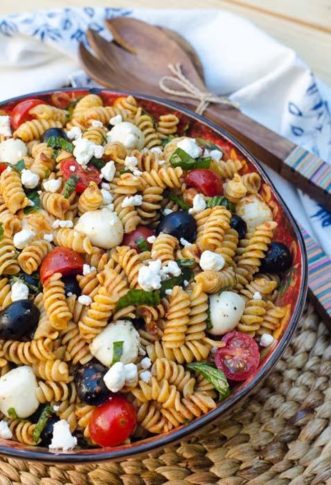 easy-pasta-salad-recipes-sun-dried-tomato-pasta-salad