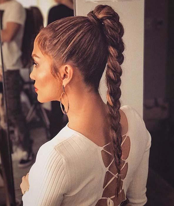 gym-hairstyles-twisted-ponytail-braid