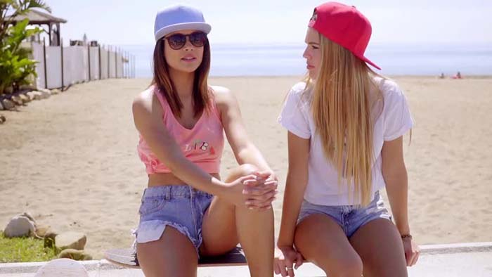 how-to-style-denim-shorts-caps