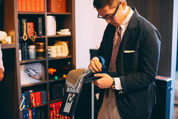 suit-tailoring-in-singapore-the-prestigious