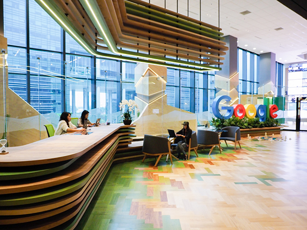 Best-offices-in-Singapore-with-workout-facilities-google-main-entrance