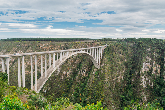 best-bungee-jumping-places-in-the-world-Bloukrans-Bridge