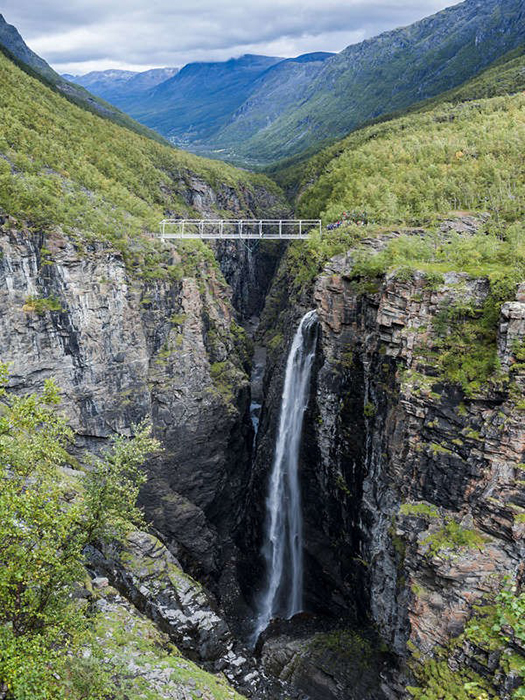 best-bungee-jumping-places-in-the-world-Kåfjord-Valley
