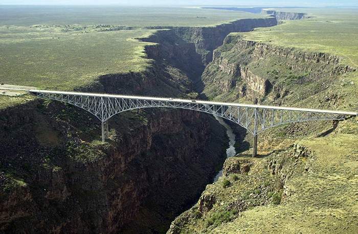 best-bungee-jumping-places-in-the-world-Rio-Grande-Bridge