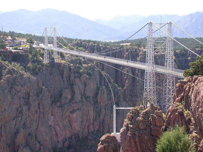 best-bungee-jumping-places-in-the-world-Royal-Gorge-Suspension-Bridge