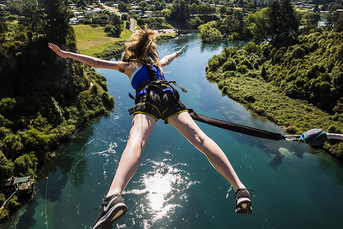 best-bungee-jumping-places-in-the-world-Taupo-Bungy