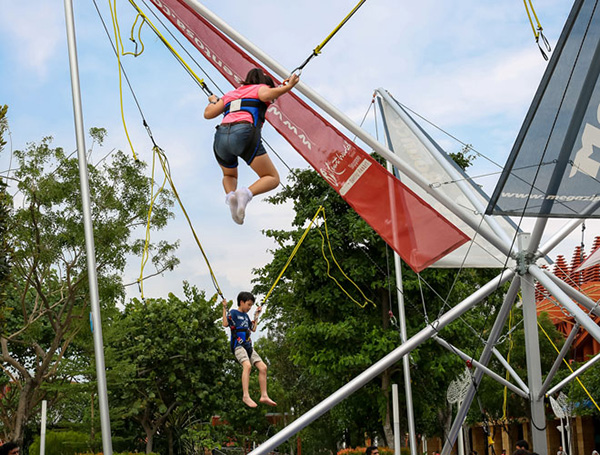best-extreme-sports-to-try-in-singapore-trampoline-bungee