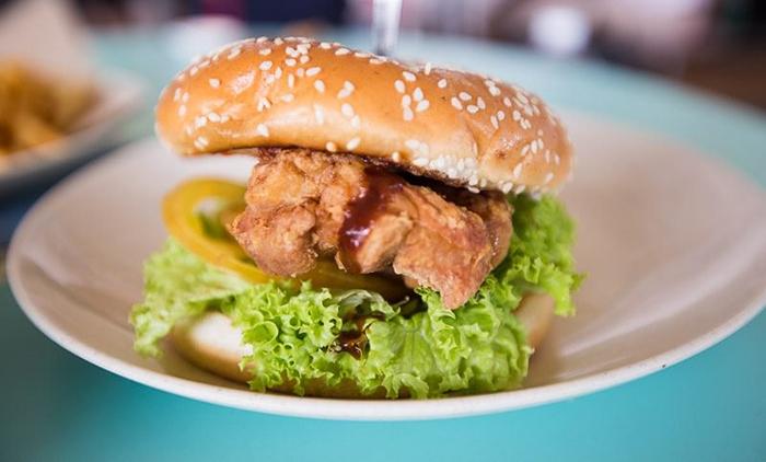 cheap-gourmet-burgers-singapore-I-Love-Burger-Lah