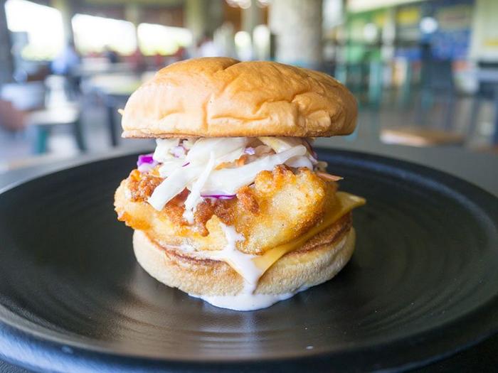 cheap-gourmet-burgers-singapore-the-humble-burger-fish-burger
