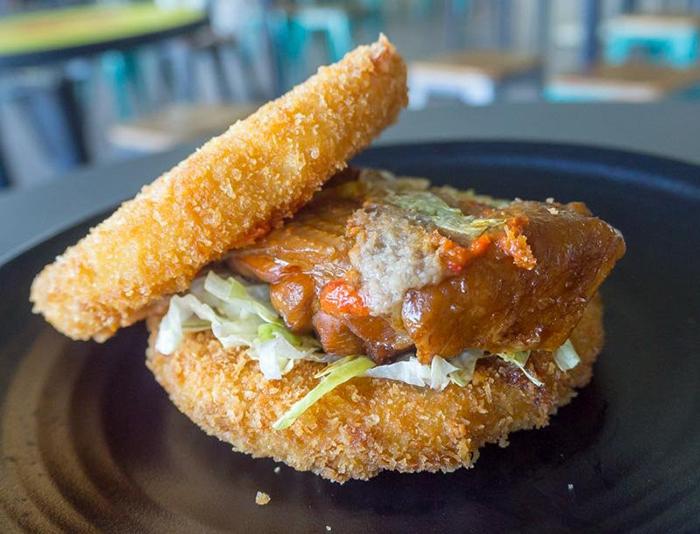 cheap-gourmet-burgers-singapore-the-humble-burger