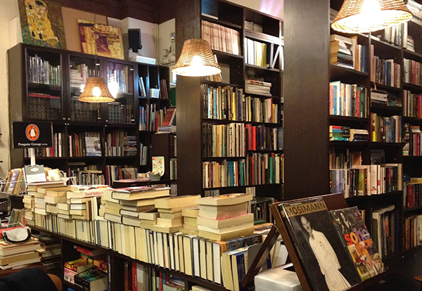 new-hipster-spots-in-Hong-Kong-books-co-2